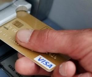 4 transactions via votre carte de crédit pourraient révéler votre identité