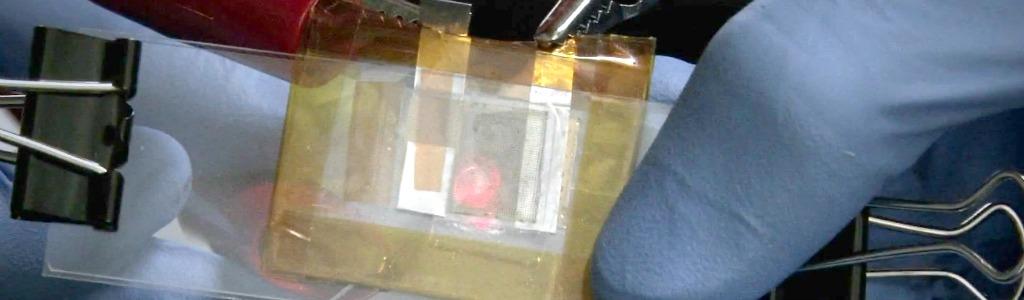 Batterie transparente Li-ion rechargeable à la lumière du jour