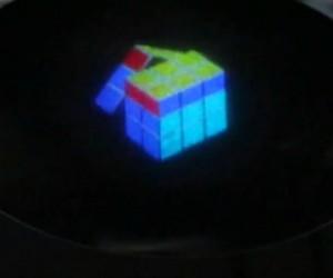 """Des chercheurs créent un hologramme en couleurs… et rêvent d'une """"TV holographique"""""""