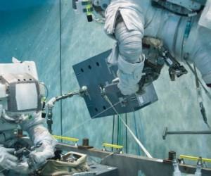 L'entraînement des astronautes en piscine