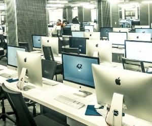 Xavier Niel exporte son école « 42 » dans la Silicon Valley