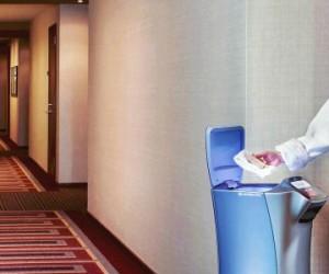 Relay, le robot-livreur dédié au «room service»