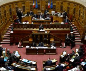 """Energie et climat: coup de chaud au Sénat sur les """"passoires thermiques"""""""