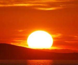 Neogy éclaire la nuit grâce à l'énergie solaire