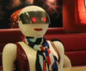 robots-restaurant-1140