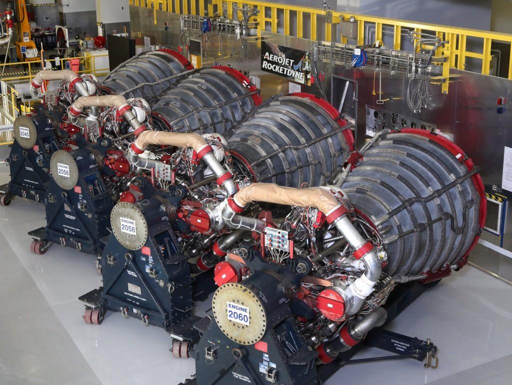 Les quatre moteurs RS25 qui doivent équiper le futur lanceur SLS. crédits @Aerojet Rocketdyne