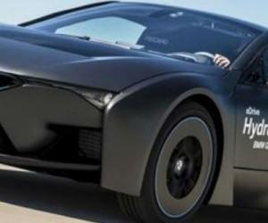 La voiture à hydrogène tente de faire de la résistance