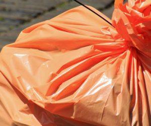 Des sacs qui se dégradent à l'air libre, pas dans les sols et l'eau