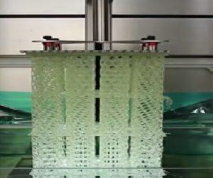 Une imprimante 3D de 4 m produit rapidement de grandes pièces polymères