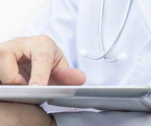Application de traçage, analyses de données épidémiologiques, télémédecine : l'importance des NTIC pour la santé publique