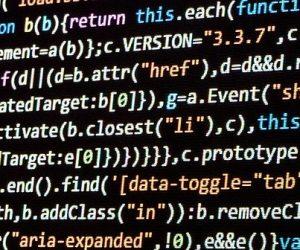 Recherche désespérément programmeurs en vieux langages informatiques…