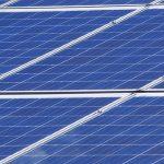 Construction de l'une des plus puissantes centrales solaires au monde près d'Abu Dhabi