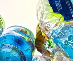 Un nouveau catalyseur pour la transformation chimique des plastiques à basse température