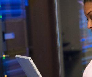 Quelles initiatives promeuvent la place des femmes dans les métiers scientifiques ?