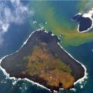 Une nouvelle île soudainement apparue au sud de Tokyo continue de grossir [AFP]