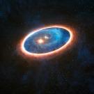 Voyage au coeur d'un système solaire triple en formation