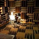 Défiez le silence de la chambre sourde