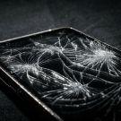 L'écran de smartphone fendu en mille points, bientôt un souvenir?