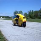 Le tandem électrique E-Tracer se dote d'une carrosserie en Kevlar