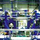 Un îlot robotisé dans l'atelier des tranches de silicium de Photowatt
