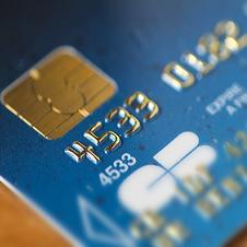 Japon : le premier distributeur automatique de billets sans carte bleue