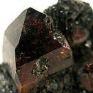 """Un minuscule zircon de 4,4 milliards d'années renforce la théorie d'une """"Terre primitive froide"""""""