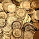 Le mystérieux créateur du bitcoin vit reclus en Californie (presse)
