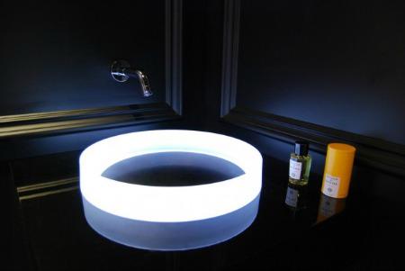 la salle de bain du futur en images techniques de l. Black Bedroom Furniture Sets. Home Design Ideas